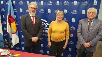 Los tres senadores nacionales por Chubut sesionaron desde Comodoro