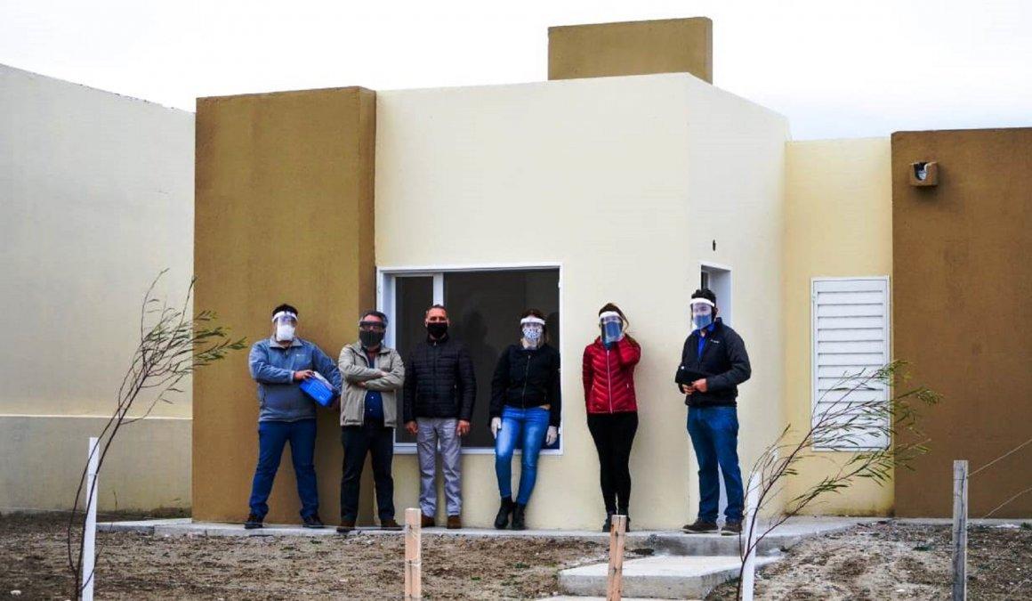 Se entregaron 24 viviendas al SOEM