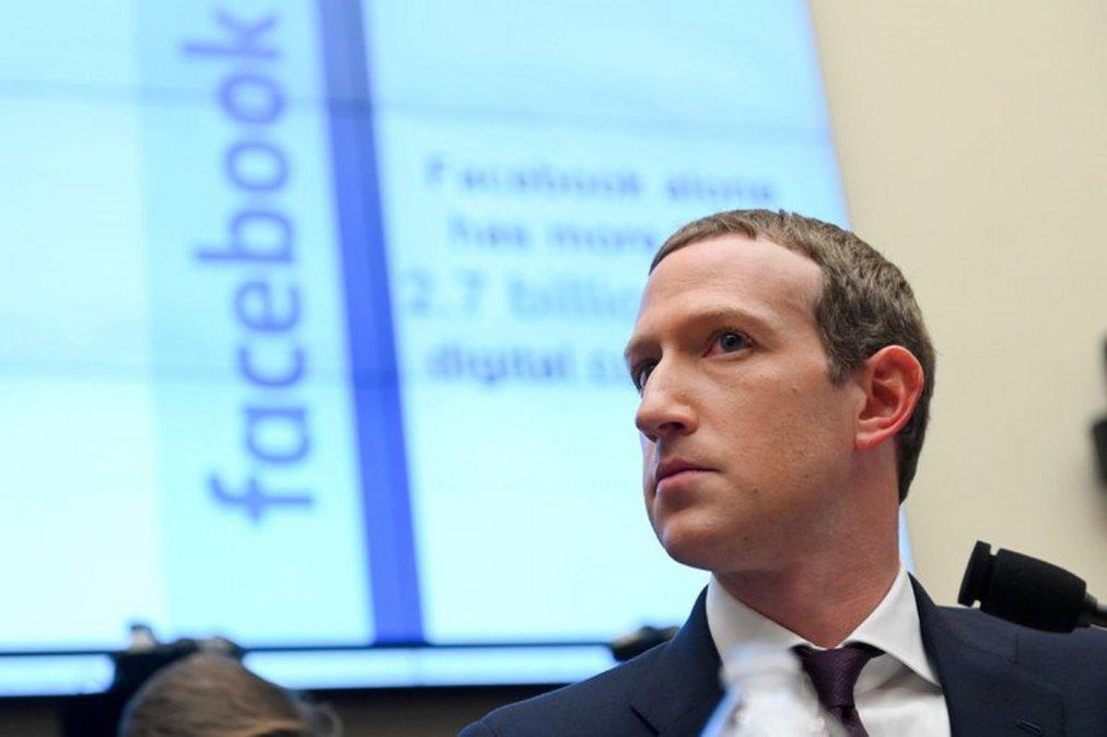 EEUU: Grandes medios acusan a Facebook de fomentar el odio racista
