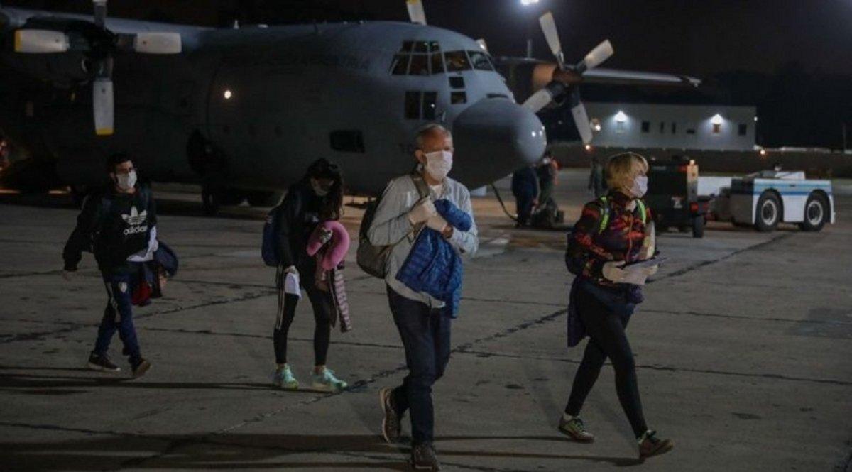 Anuncian 7 nuevos vuelos que traerán a 1700 argentinos del exterior