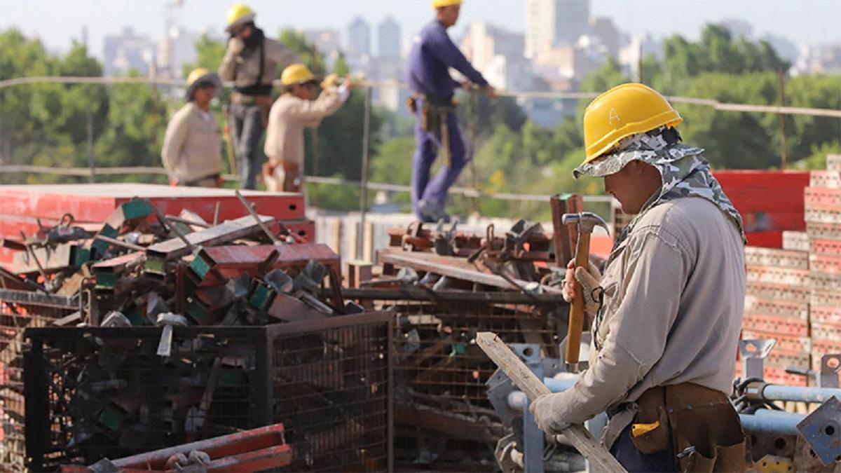 El Plan Argentina Hace es una iniciativa del Gobierno Nacional para generar 20.000 nuevos puestos de trabajo en todas las provincias del país.