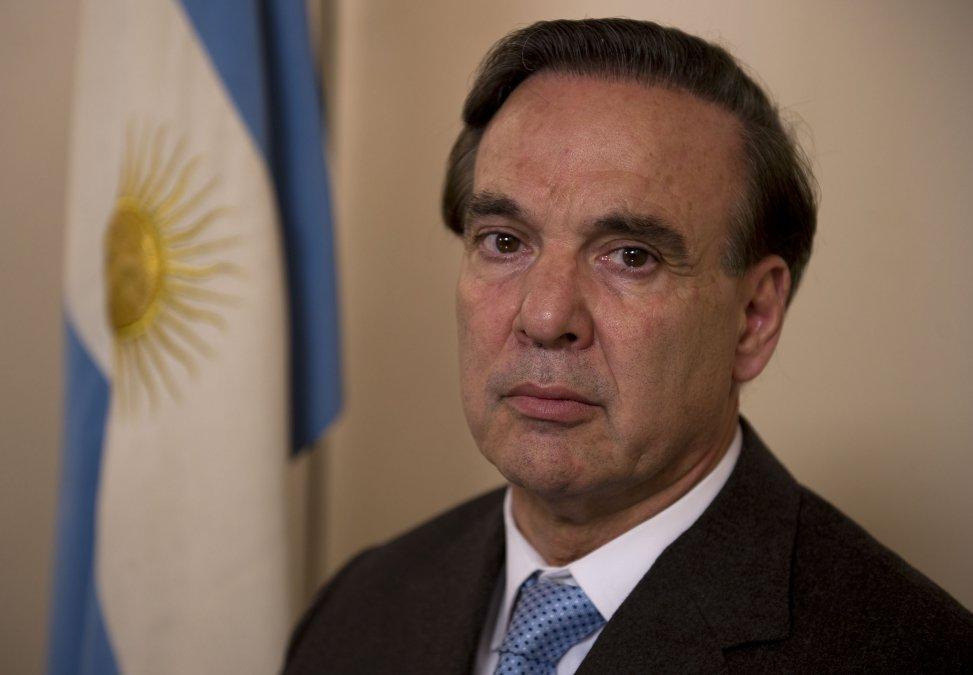 El ex senador Miguel Angel Pichetto fue designado como Auditor General de la Nación.