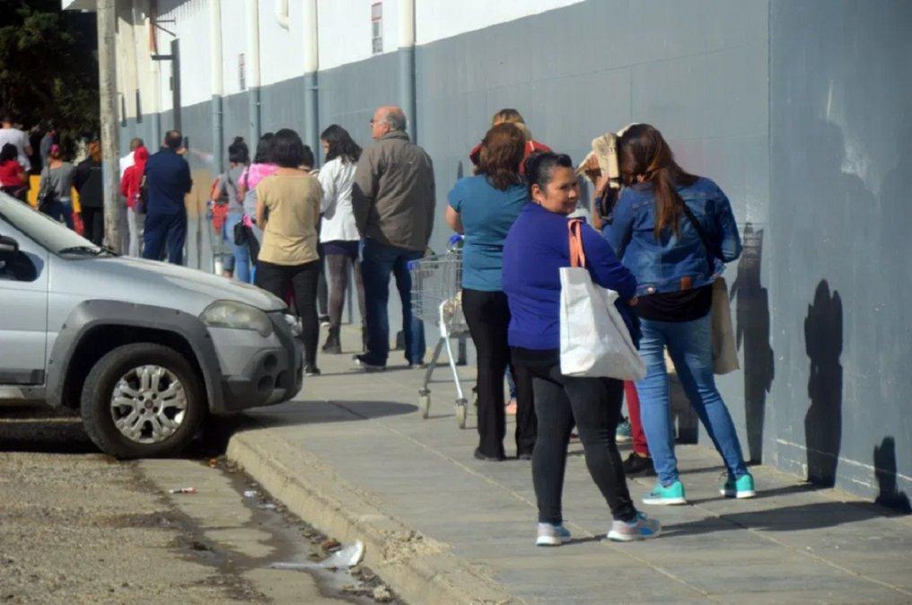 En Comodoro Rivadavia los tiempos de espera en atención al público son extensos.