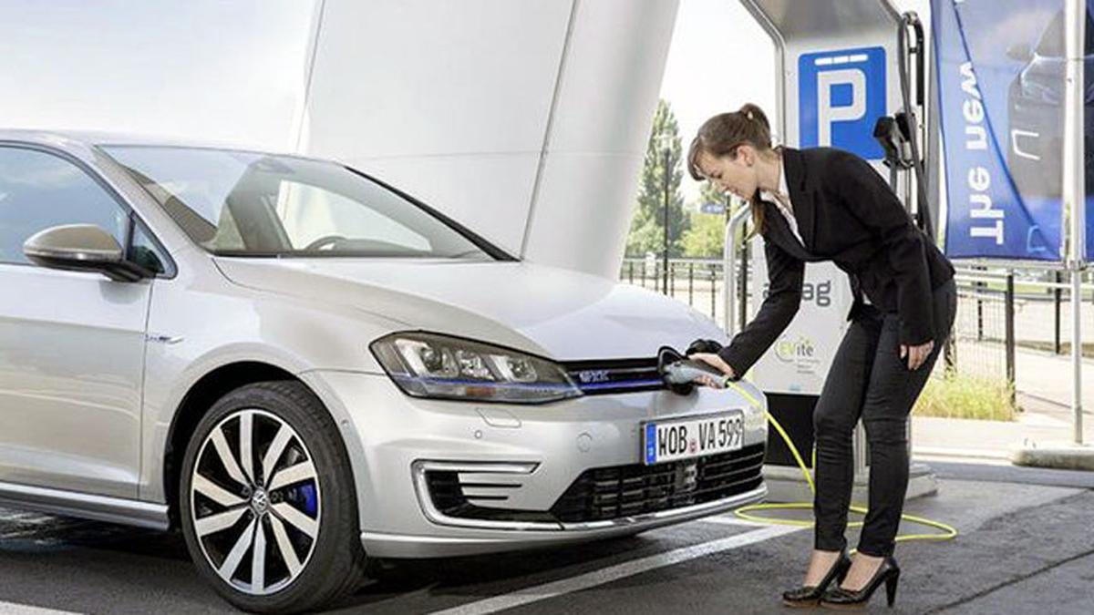 Pagliaroni busca incentivar la compra de vehículos híbridos y eléctricos