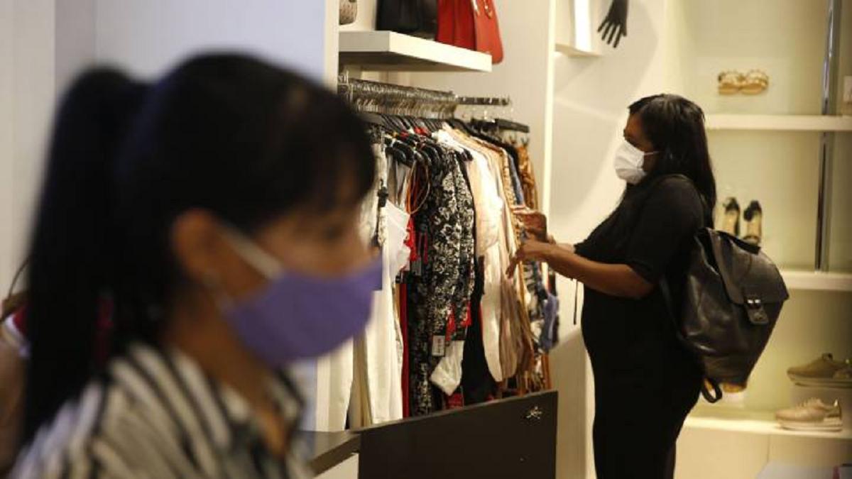 Los mayores aumentos se registraron el rubro de prendas de vestir y calzado.