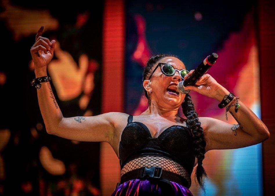 La cantante Miss Bolivia aclaró que la denuncia por violencia de género contra su expareja sigue en curso en el fuero civil.