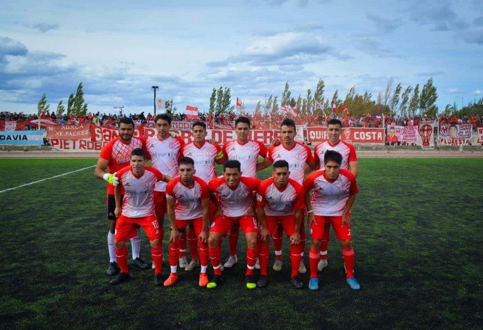 César Villarroel habló de la posibilidad de que el plantel de Huracán sufra varias bajas