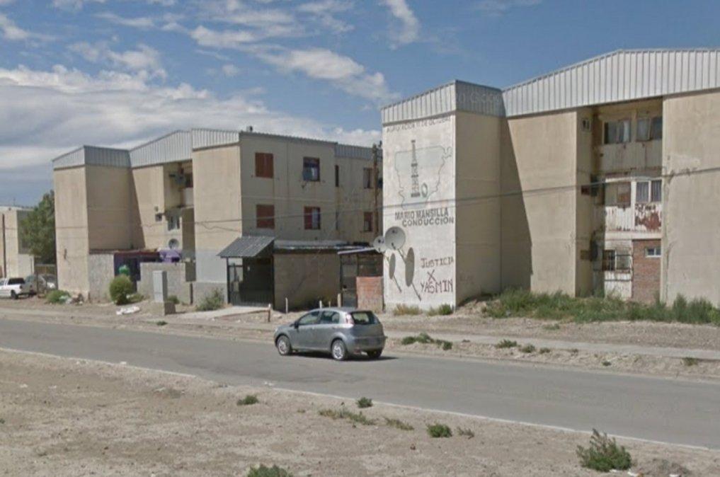 Un hombre de 38 años fue baleado y apareció en cercanías del edificio 27 de las 1008.