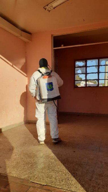 Se conoció un nuevo caso de COVID-19 en las gamelas de Kilómetro 3. Hoy se desinfectó el lugar.
