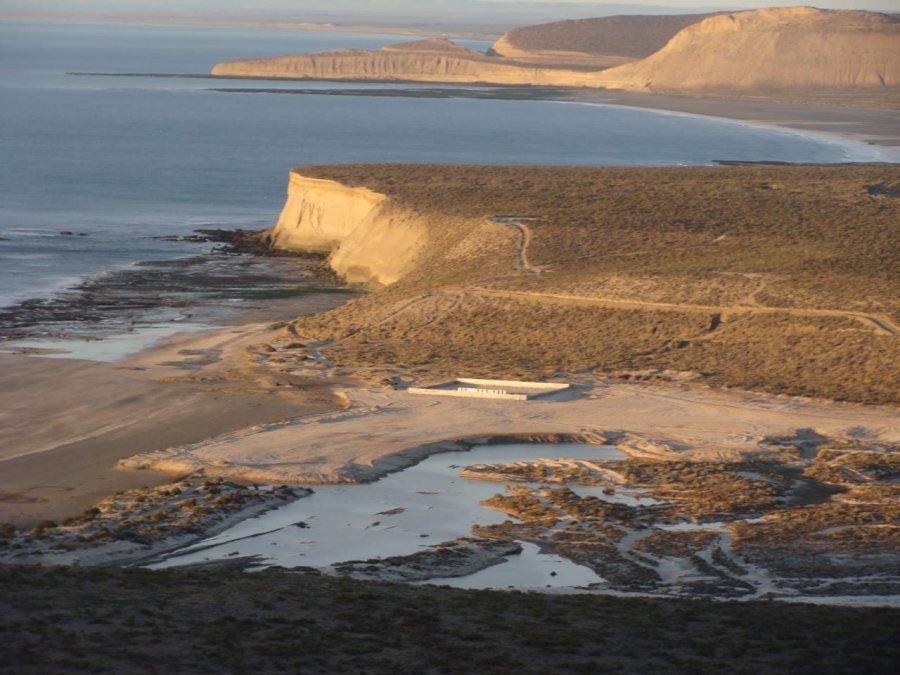La panorámica permite apreciar el trabajo que e comenzó a realizar para recuperar las dunas