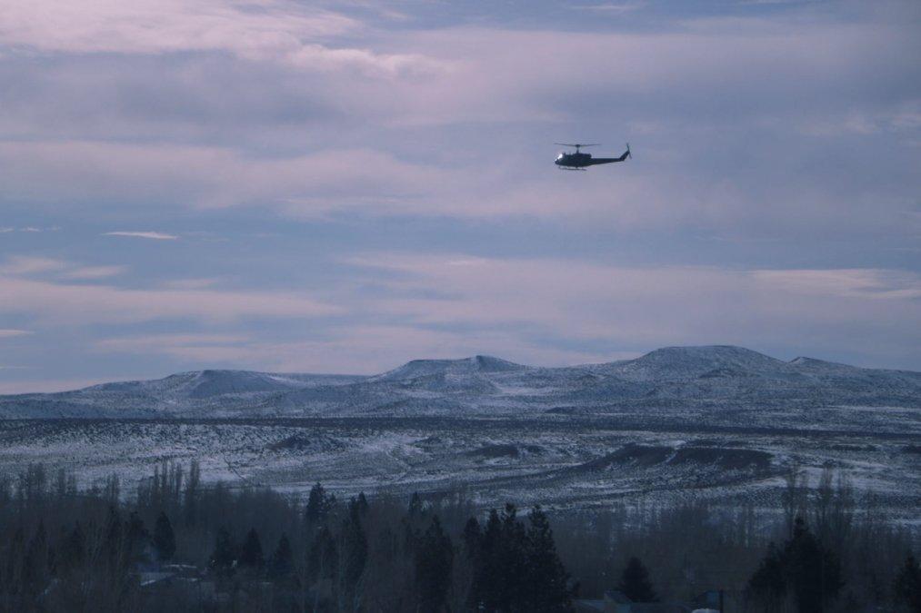 Helicóptero del Ejército Argentino sobrevolando las zonas de Rinconada y Cordillera.