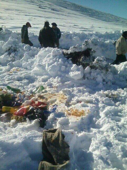La asistencia alimentaria que llevó el gobierno a la meseta terminó en la nieve.