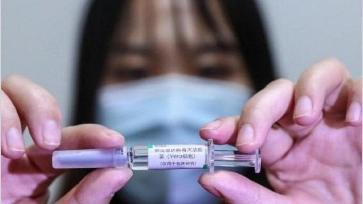 Johnson & Johnson decidió detener los ensayos de su vacuna