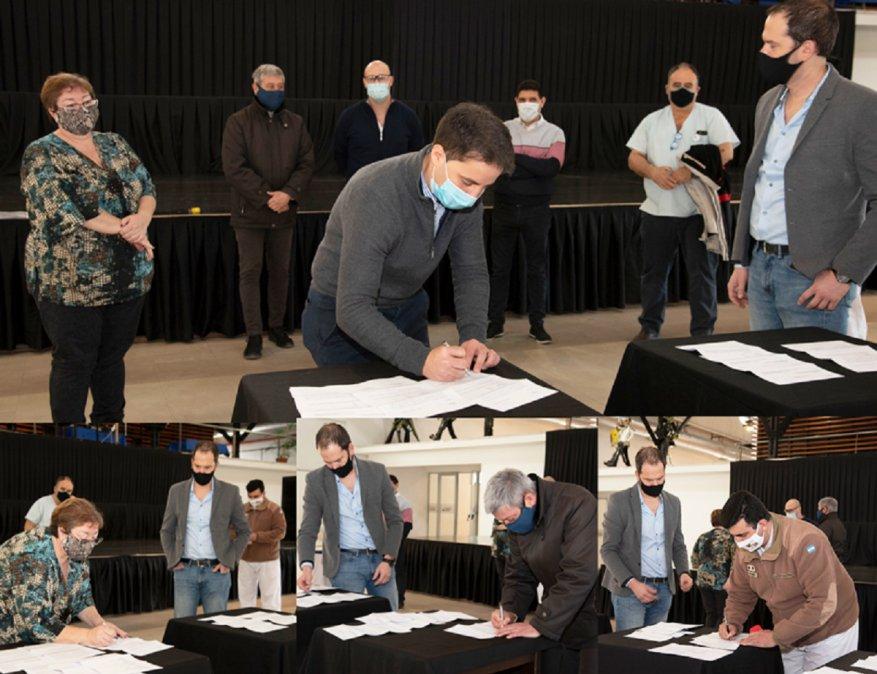 El acto de entrega se realizó este jueves en el Centro Cultural Comodoro Rivadavia.