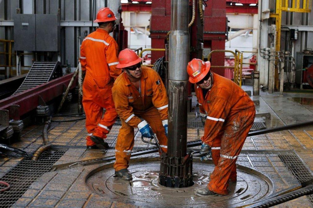Este miércoles comenzarán a vacunar a los trabajadores petroleros.