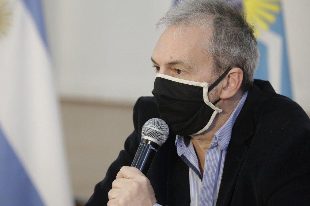 Puratich desmintió su renuncia y anunció el pago a los trabajadores de salud