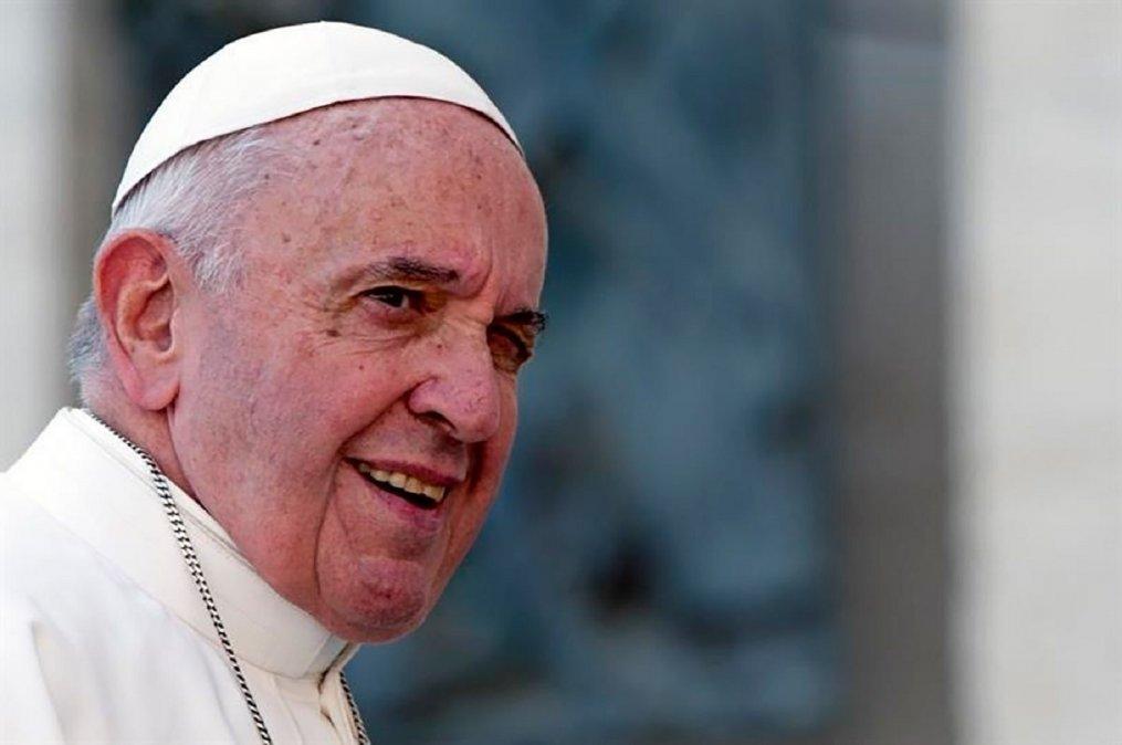 El Papa Francisco sorprendió con un like en la foto de una mujer