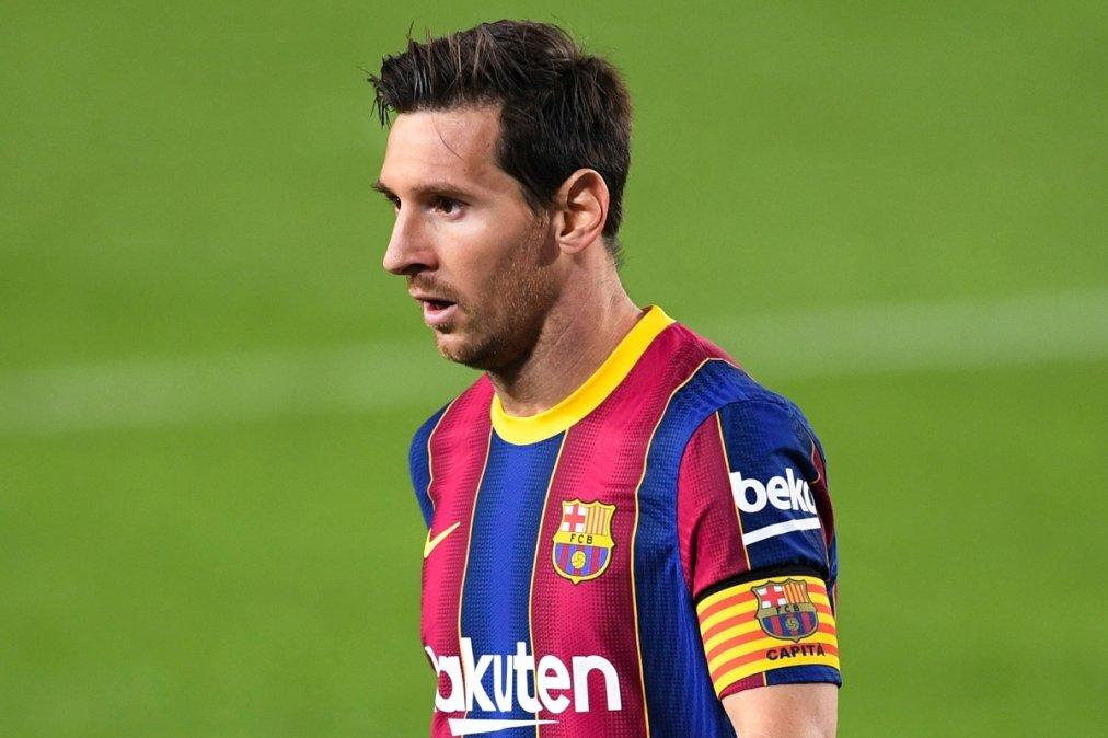 Messi durante el primer partido oficial del Barcelona.