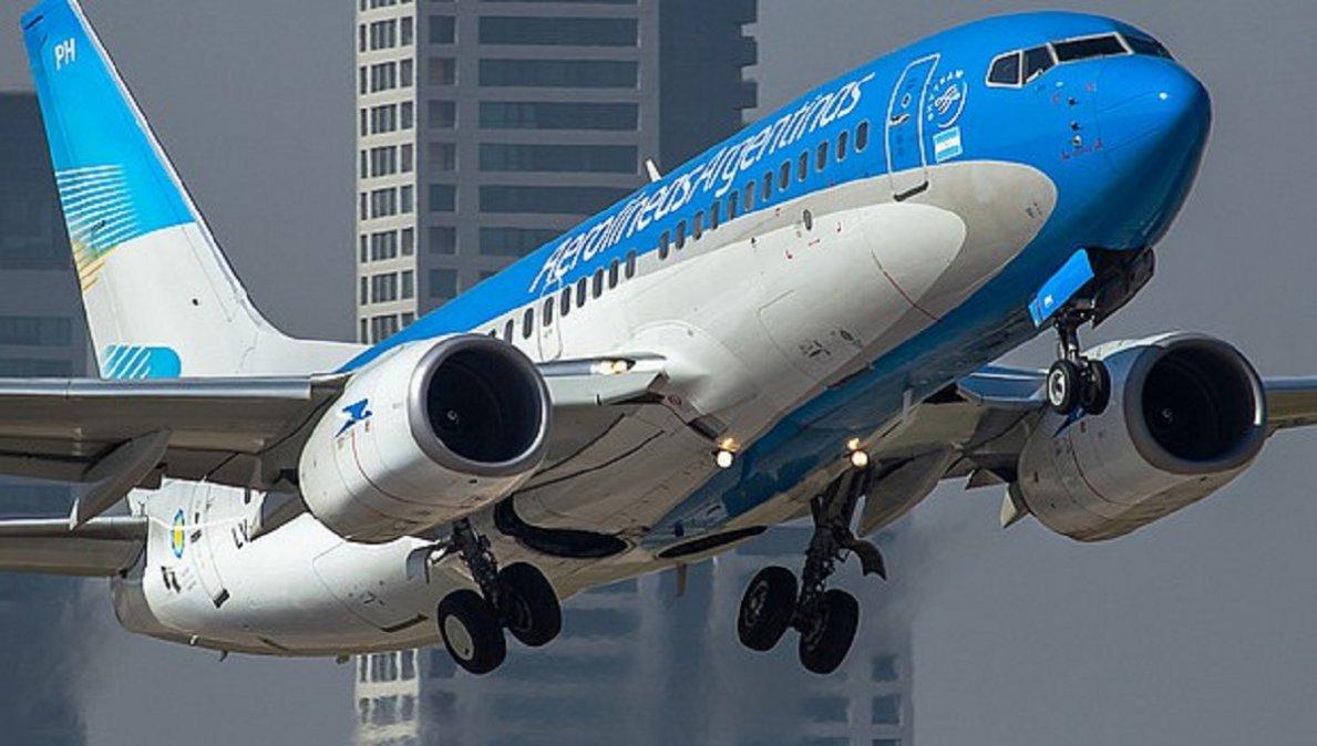 El ministro Mario Meoni confirmó que los vuelos de cabotaje volverán entre el 12 y el 15 de octubre.