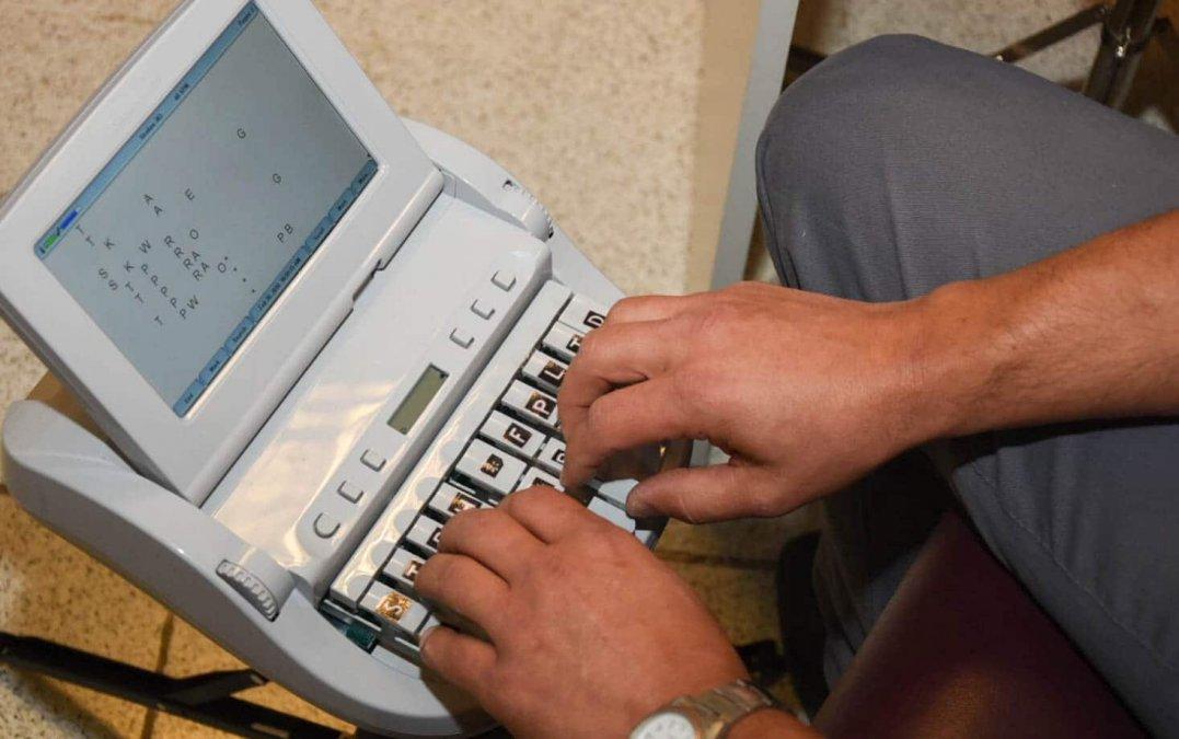 Empleados de legislatura no quieren sesionar sin taquigrafos