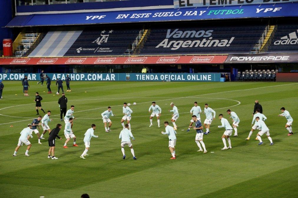 Argentina lidera la tabla de posiciones con seis puntos.