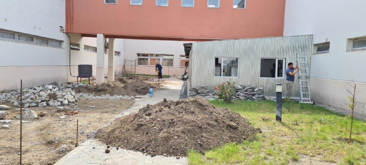 Actualmente se está trabajando en el desmonte para la platea de fundación.