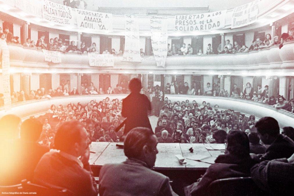 En el Teatro Español se realizó la Asamblea del Pueblo. Desde allí se organizó la movilización popular en Trelew y la comarca que logró liberar a los detenidos el 11 de octubre de 1972.