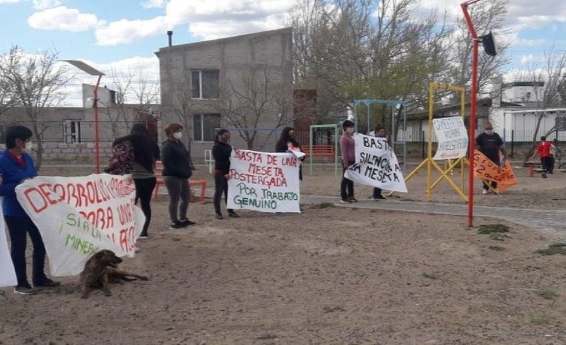 Vecinos de la Meseta volvieron a reclamar por fuentes de empleo para la zona