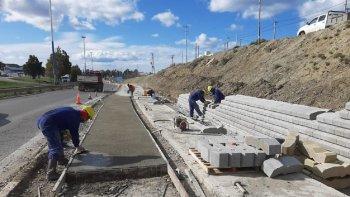 Avanzan las obras de la senda peatonal y la ciclovía en Km 3