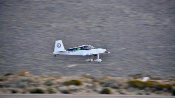 Contruyeron un avión en el hangar del Aeroclub de Comodoro Rivadavia
