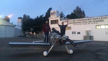Construyeron un avión en el hangar del Aeroclub