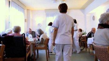 Trabajan en un sistema de fiscalización de residencias de adultos mayores