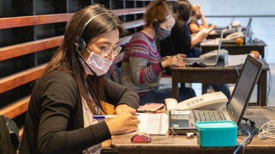 Más de 180 personas están trabajando actualmente en el Call Center.