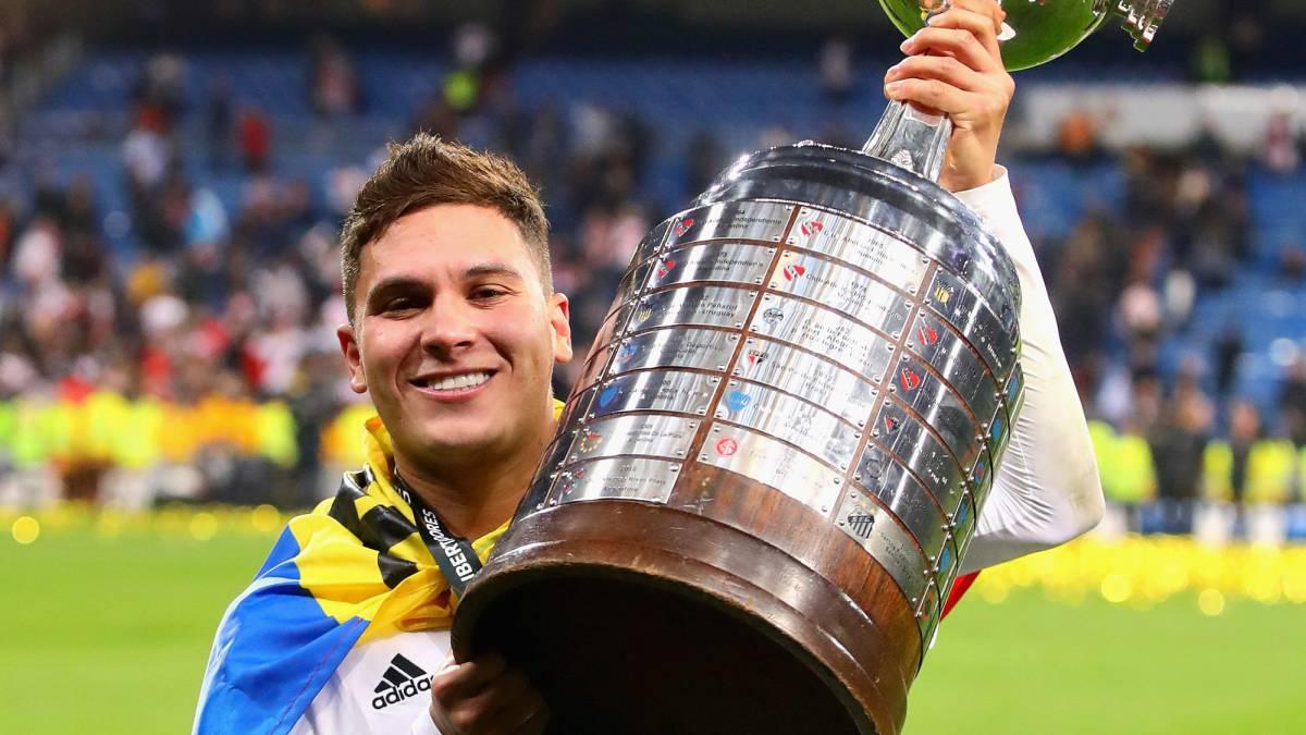 Quintero con la Libertadores ganada en Madrid en el 2018.