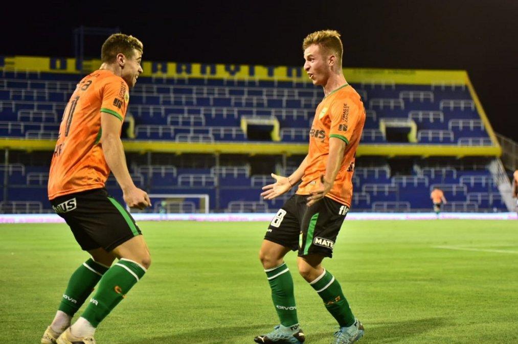 Banfield goleó a Central y sigue con puntaje perfecto en la zona de River | Banfield, Rosario Central, Copa de la Liga Profesional, River