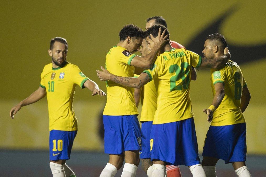 Triunfos de Brasil y Chile en el cierre de la tercera fecha