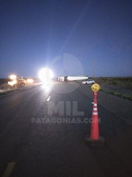 Hubo corte total en la Ruta 3 por vuelco de camión cisterna
