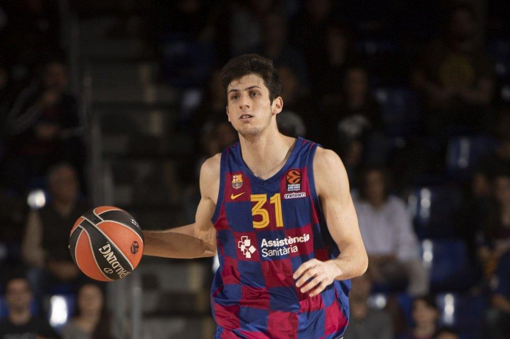 En la Liga Nacional Leandro Bolmaro defendió la camiseta de Bahía Basket.