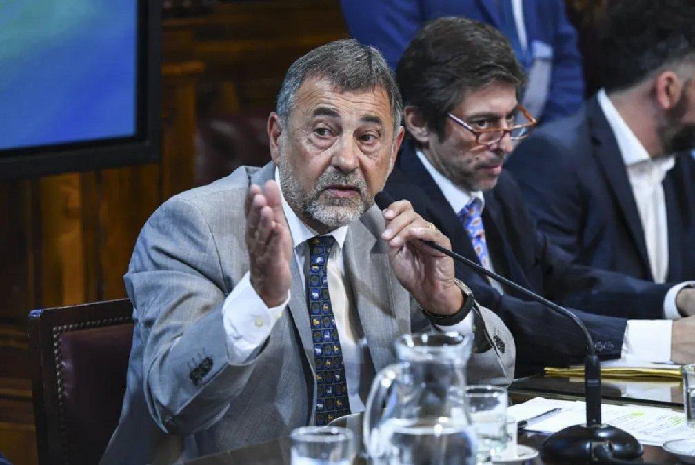El senador Carlos Caserio