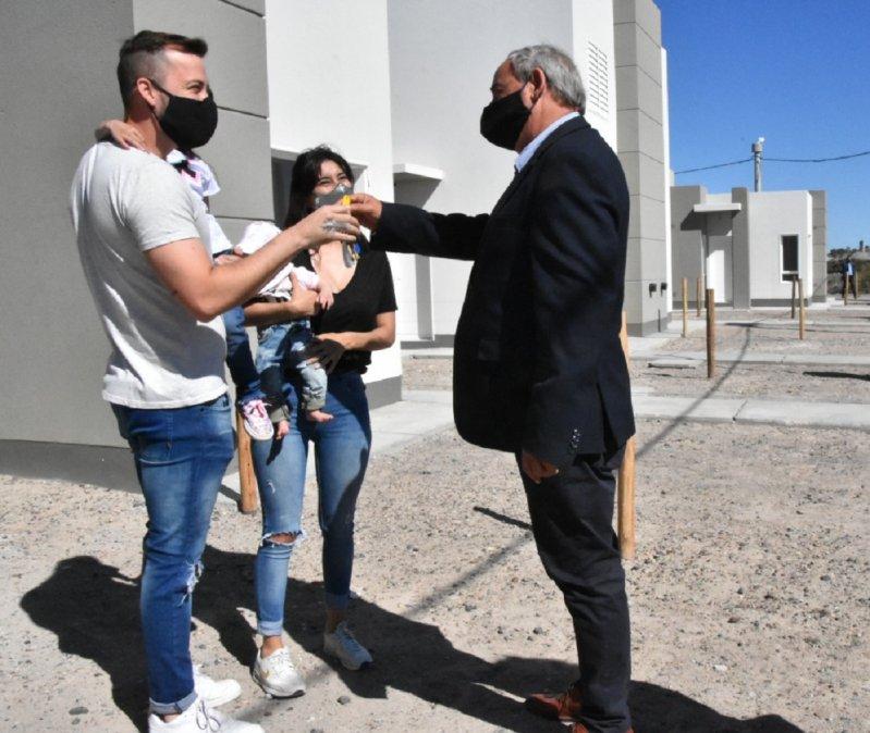 El Gobierno de Chubut entregó viviendas en Trelew.