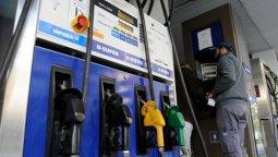 No se descarta un nuevo incremento del precio de la nafta para diciembre.