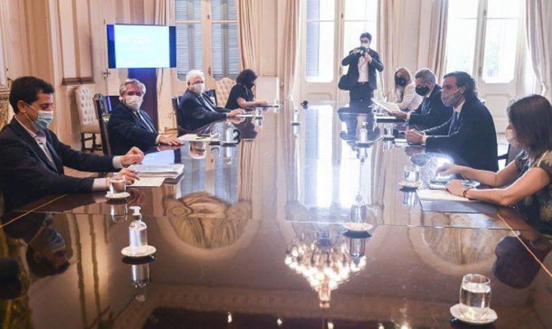 Alberto Fernández encabezó la reunión del Comité de Vacunación y definieron a quiénes vacunarán contra el coronavirus.