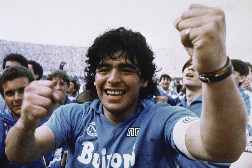 Napoli: Por la muerte de Maradona, San Paolo cambiará de nombre