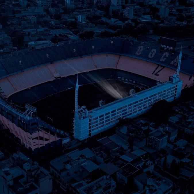 El palco de Maradona iluminó La Bombonera