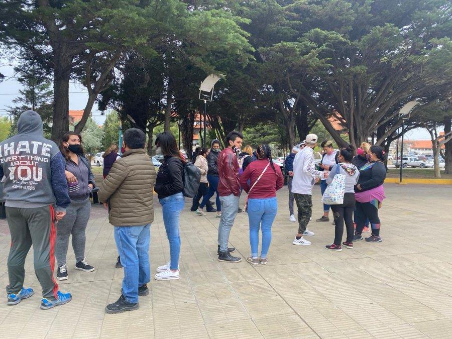 Alrededor de 40 personas se manifestaron a favor de la minería