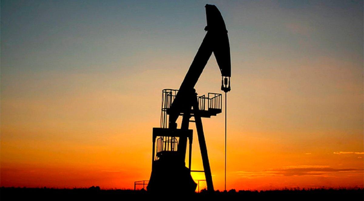 La producción petrolera cayó 4