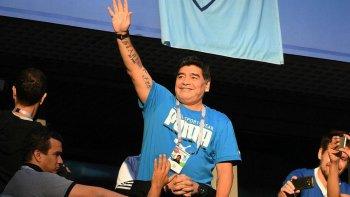 Diego Maradona tendrá una estatua en el aeropuerto