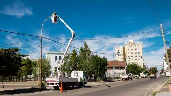 La SCPL renueva el alumbrado público en la Zona Sur