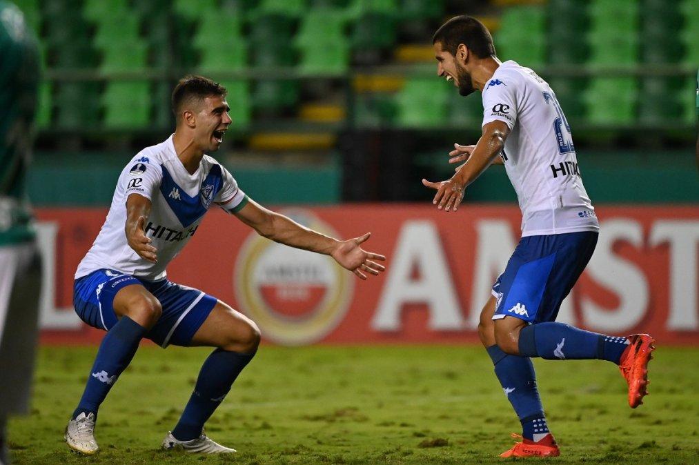 Copa Sudamericana: Goleada de Vélez en Colombia para meterse entre los ocho mejores