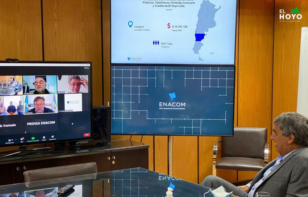 Gracias a una inversión de 30 millones de pesos, El Hoyo tendrá fibra óptica